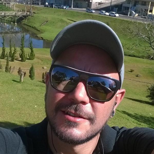 Leandro Brito – Diretor de Criação